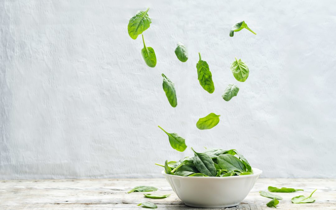 Benefits (and Risks) of Juicing Spinach